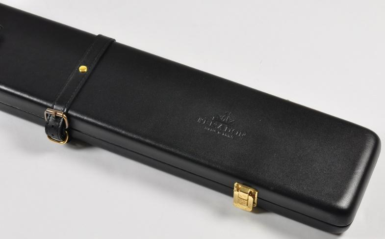 Peradon Three-Quarter Black Leather Cue Case (Close up)
