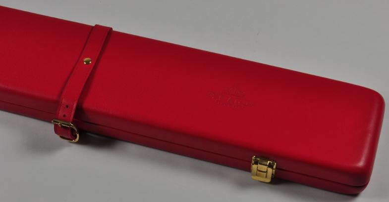 Peradon Three-Quarter Red Cue Case (Close up)