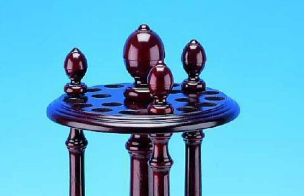 Peradon Reproduction Cue Stand (Top)